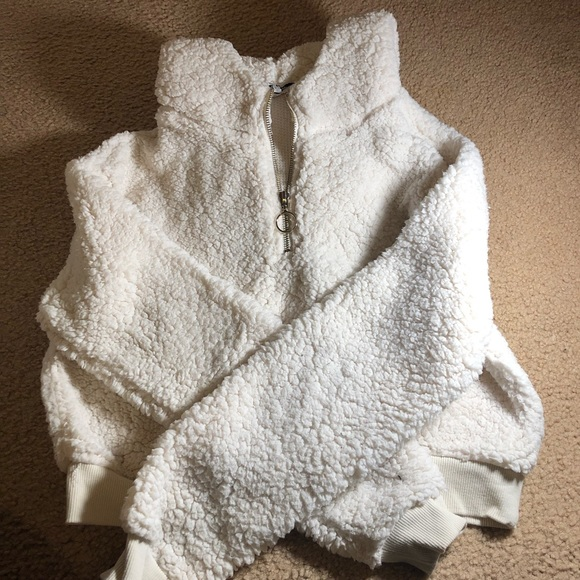Sweaters - White cropped fluffy half zip hoodie